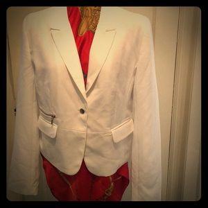 Suzy Shier Short White Blazer Style Jacket NWT